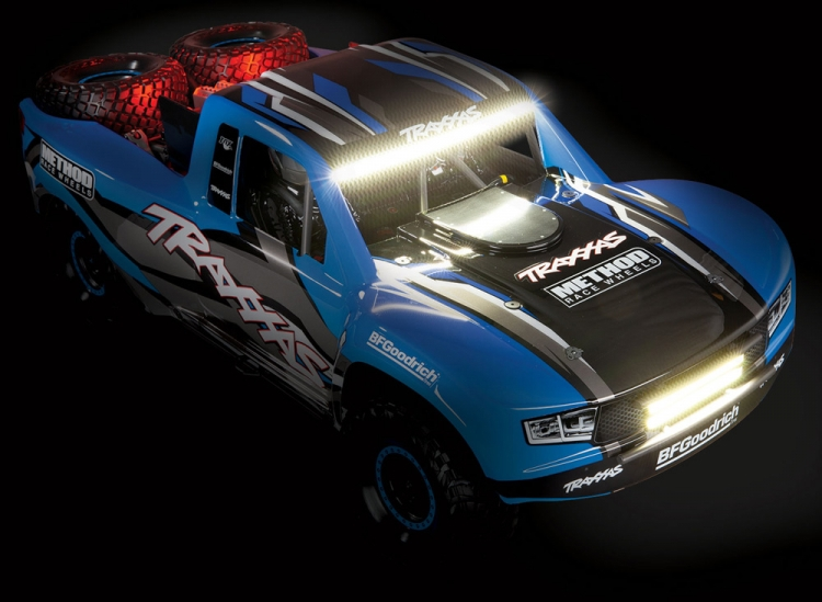 TRAXXAS UDR 4WD RED LED-SET