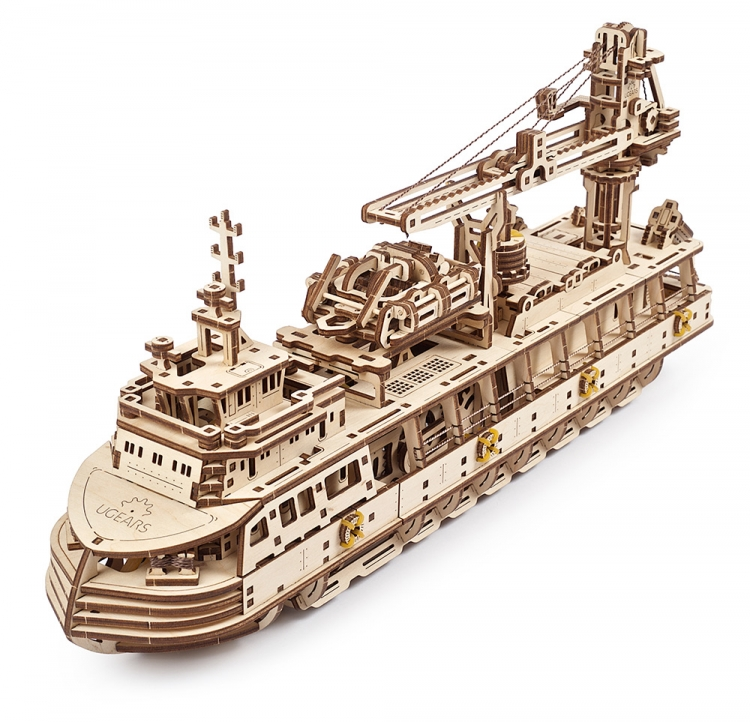 UGEARS RESEARCH VESSEL (575PCS)
